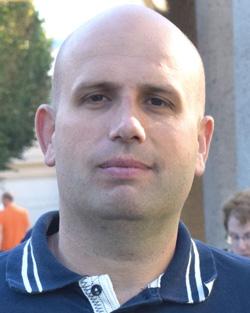Viktor Aronov